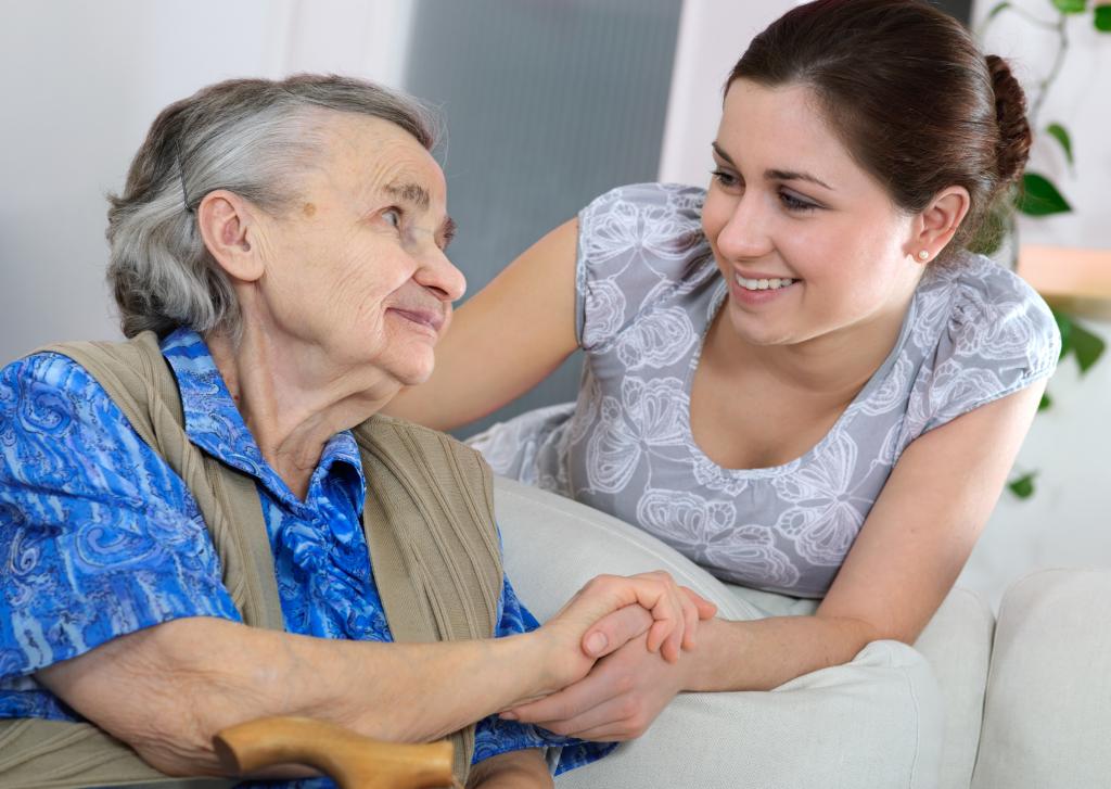 Тюменцы могут посодействовать пожилым людям справиться сзимними неувязками