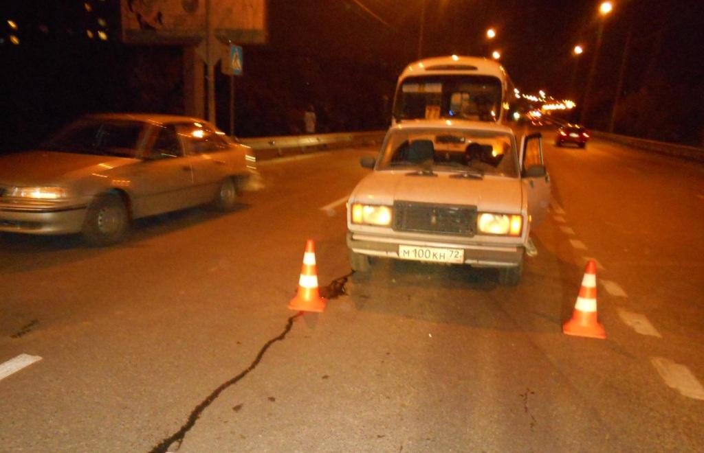 Три тюменца пострадали из-за водителя маршрутки