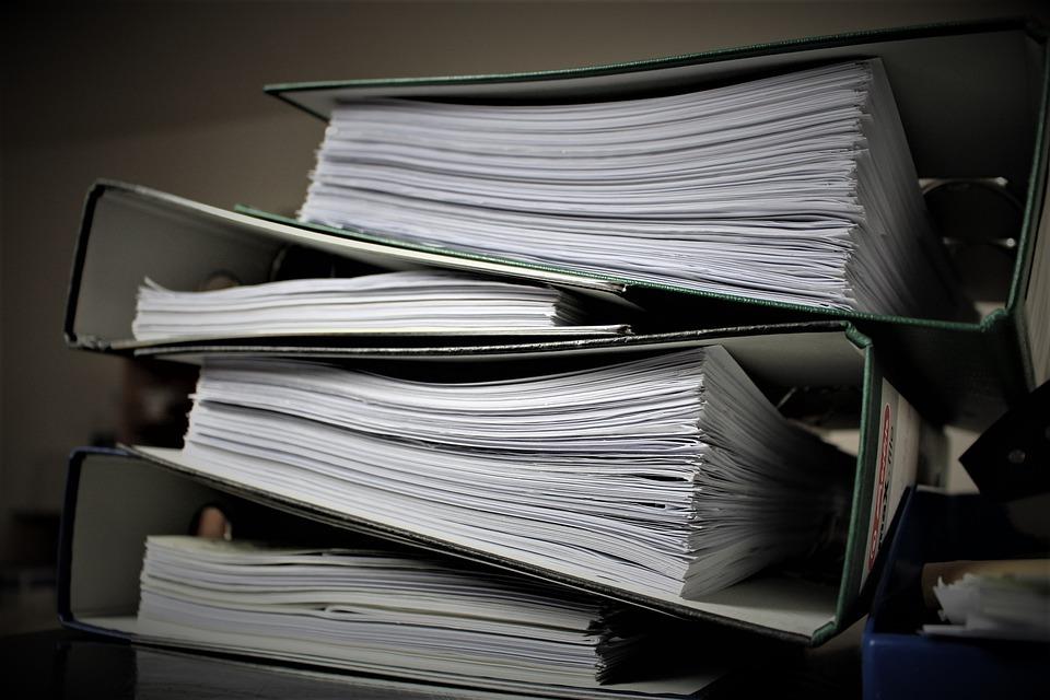 ВТюменской области гендиректора агропредприятия оштрафовали завыброшенные насвалку документы служащих