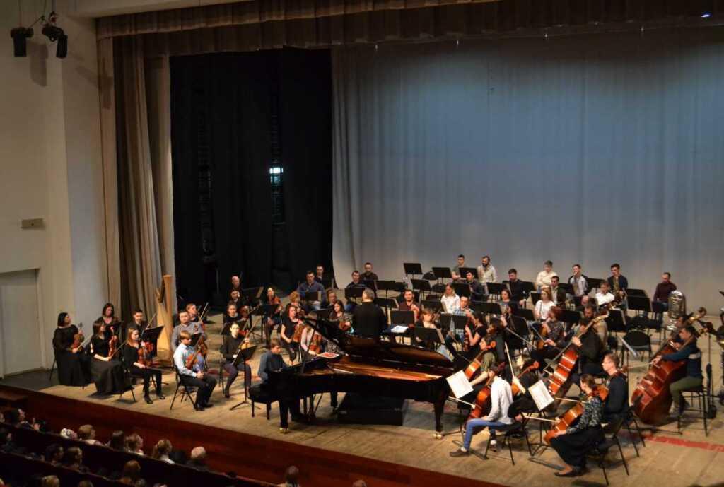Тюменский филармонический ансамбль провел открытую репетицию перед гастролями