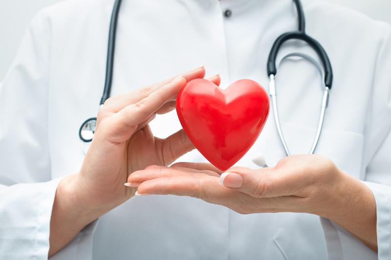 Тюменский кардиохирург спасает жизнь 400 пациентам вгод