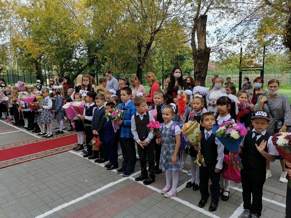 Депутаты пожелали тюменским школьников успехов в получении новых знаний
