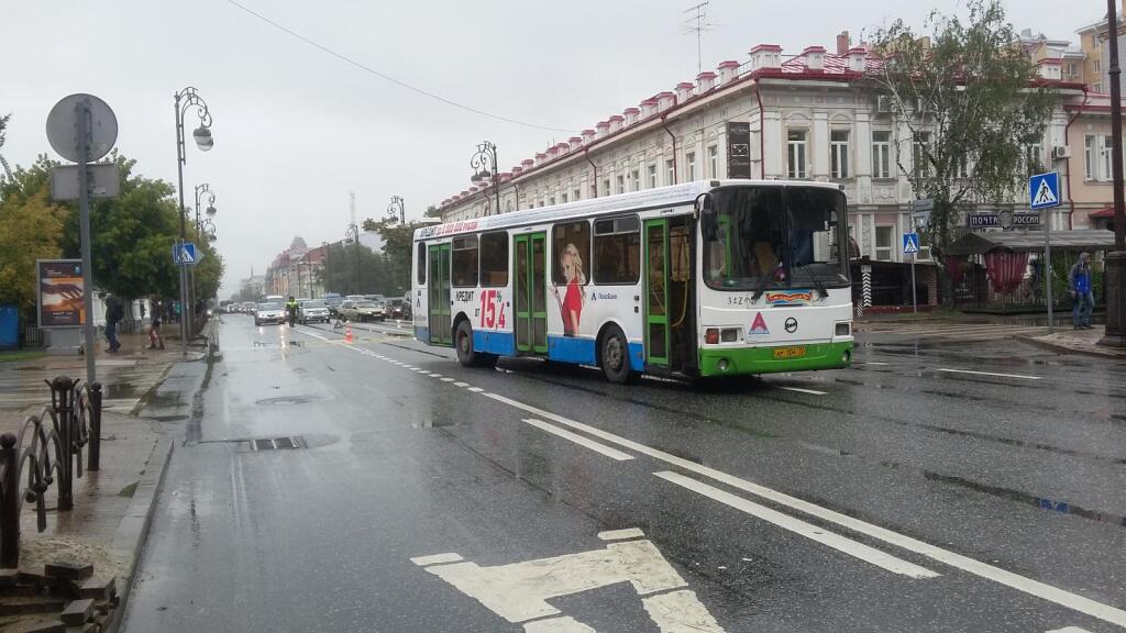 Автобус сбил пенсионера на«зебре» вТюмени