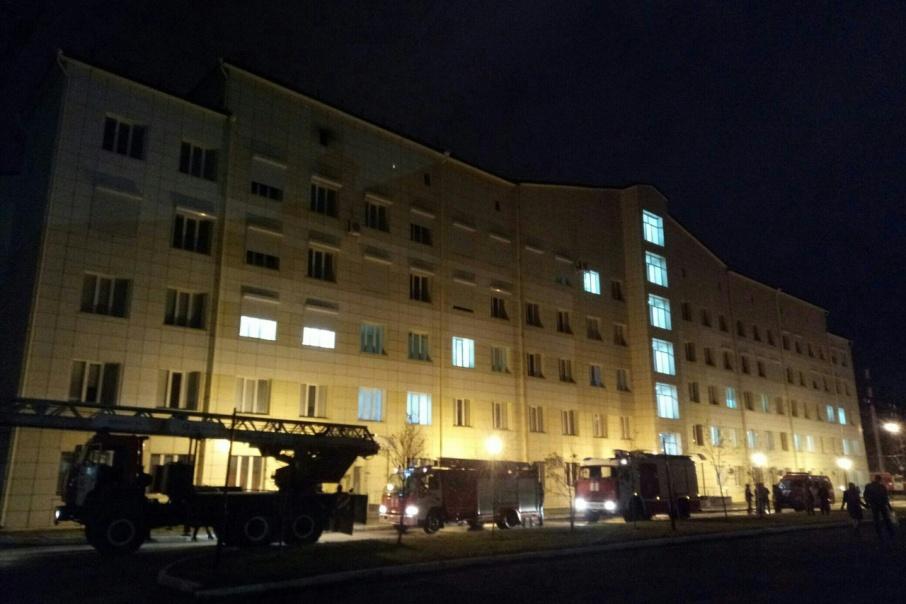 В Тюмени из-за пожара в перинатальном центре эвакуировали более 250 человек