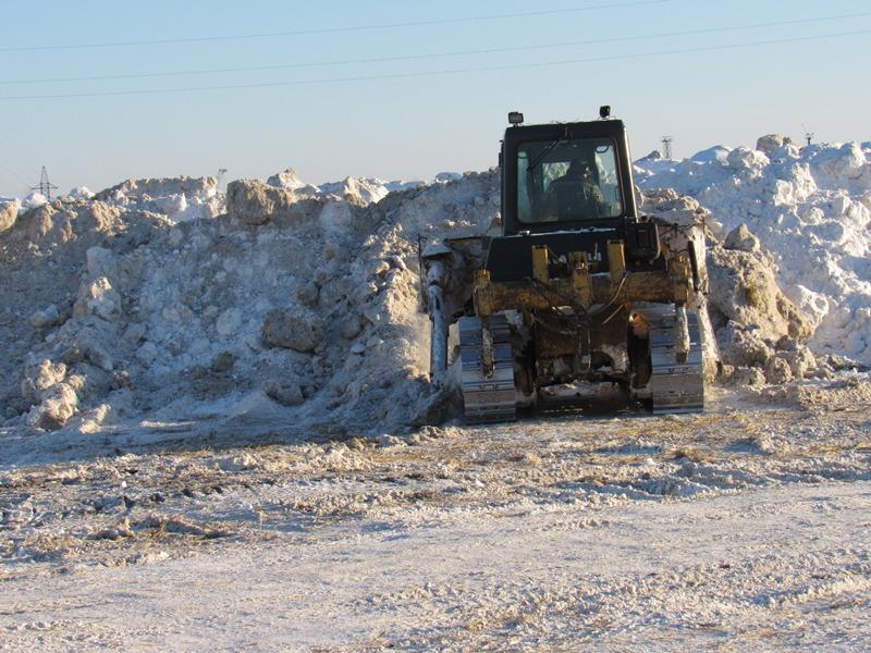 Натюменские полигоны вывезли 300 тыс. кубометров снега