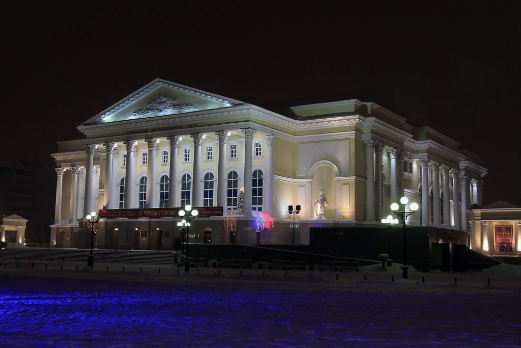 Картины тюменского кинорежиссера можно увидеть вдрамтеатре