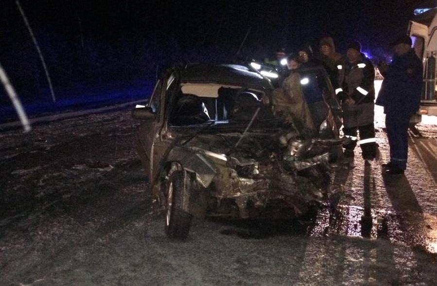 Натрассе Тюмень— ХМАО вночном ДТП умер 38-летний шофёр