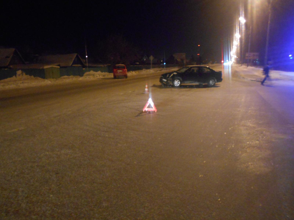 ДТП вТюмени: «ВАЗ 2114» зажегся после столкновения сфургоном
