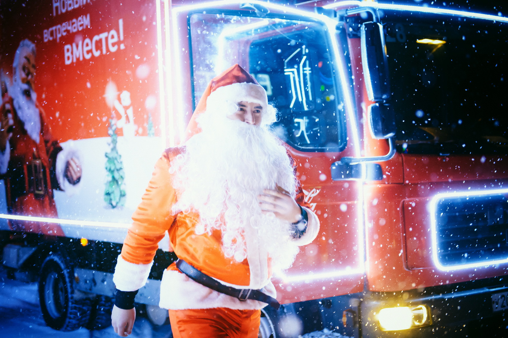 ПоТюмени проедет «Рождественский караван» Coca-Cola