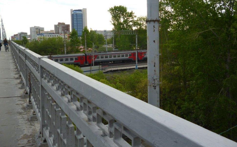 ВТюмени отмывают мосты ипутепроводы