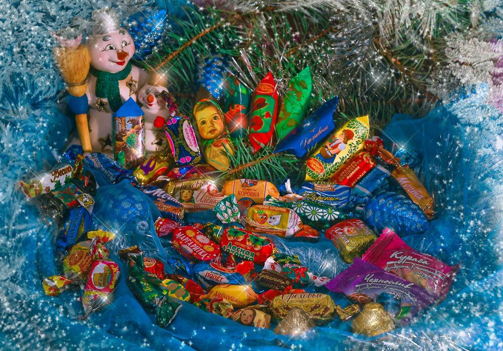 Сладкие новогодние подарки для маленьких тюменцев нужно выбирать сумом