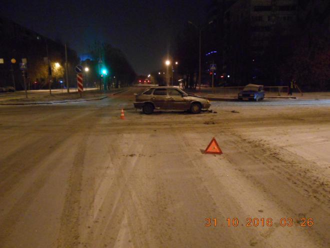 ДТП вТюмени: парень сдевушкой угнали автомобиль иустроили трагедию