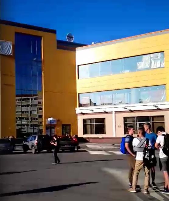ВТюмени эвакуировали шесть торговых центров
