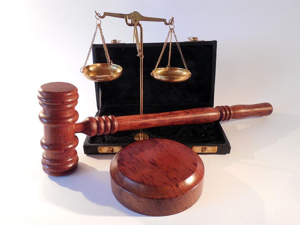 Тюменскому преподавателю дали восемь лет тюрьмы завзятки