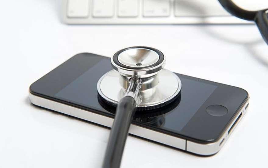 Граждане Тюменской области могут следить заздоровьем при помощи телефона