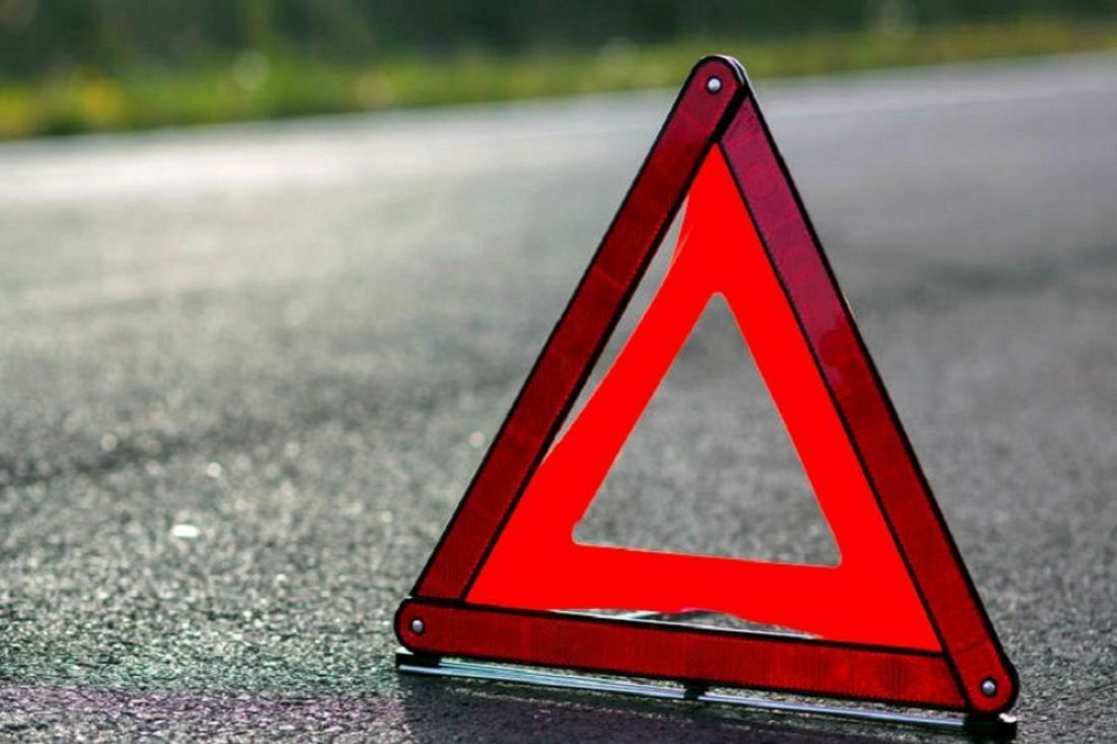 Бесправница на«Ладе» влетела вопору ЛЭП, пострадал 4-летний сын