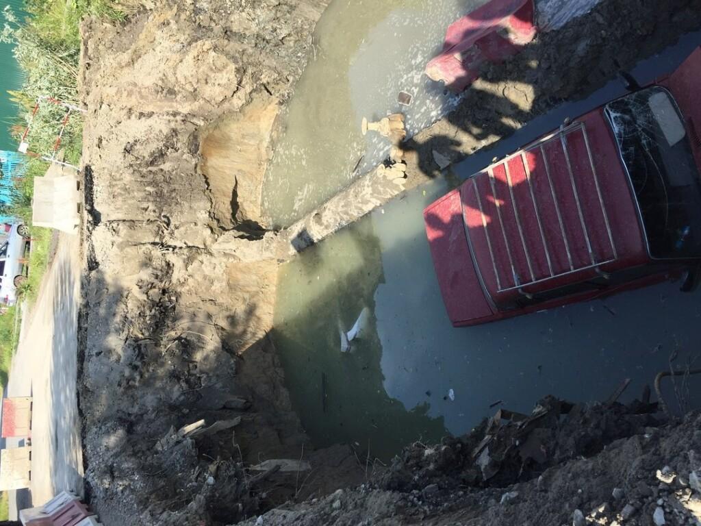 ВТюмени отечественный «ВАЗ» был найден вкотловане сводой