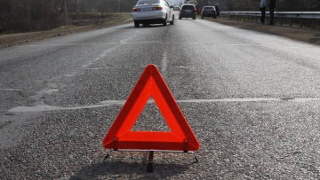 Натрассе Тюмень-Омск иностранная машина съехала сдороги иперевернулась— Сводка ДТП
