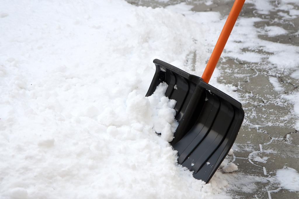 Снег изтюменских дворов должны вывозить напротяжении 3 суток?