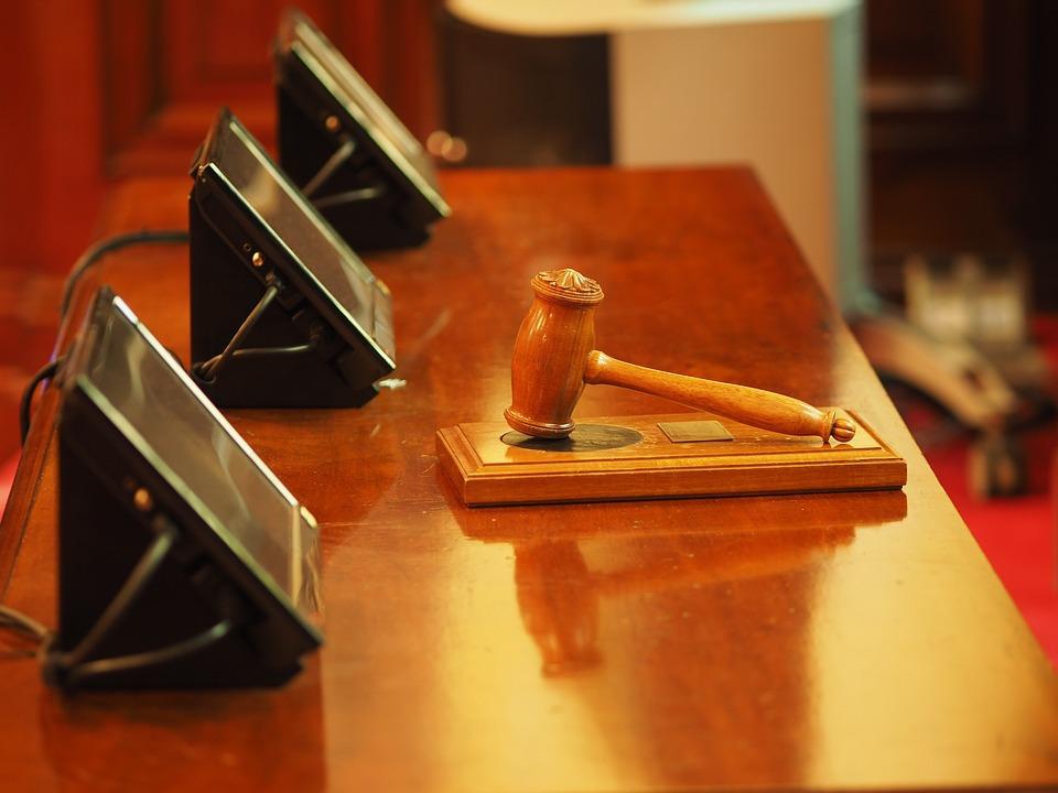 ВТюмени прежний судебный пристав обвиняется вслужебном подлоге