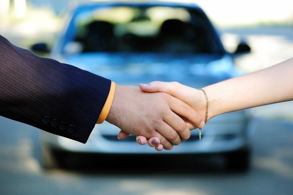 Каждый 7-мой легковой автомобиль вТюменской области покупает предприятие либо заведение
