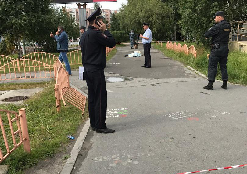 Неизвестный устроил резню вцентре Сургута, пострадали 8 человек