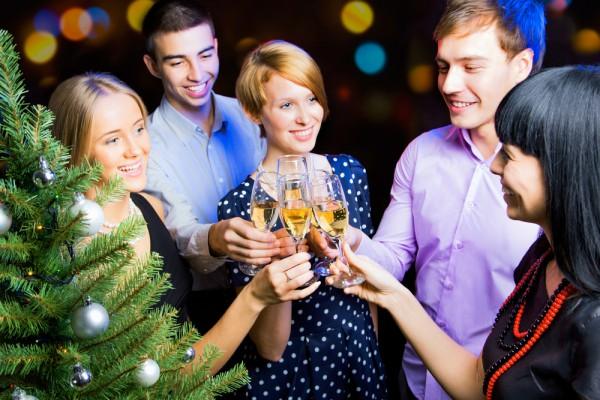 Новый год небольшая компания