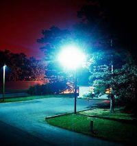 Осколки склеить, правда, можно.  В тени разбитых фонарей.  Нам не найти любви свободы.