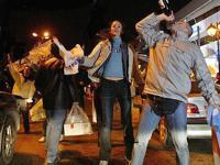 ...ограничена торговля алкогольными напитками в местах народных гуляний.